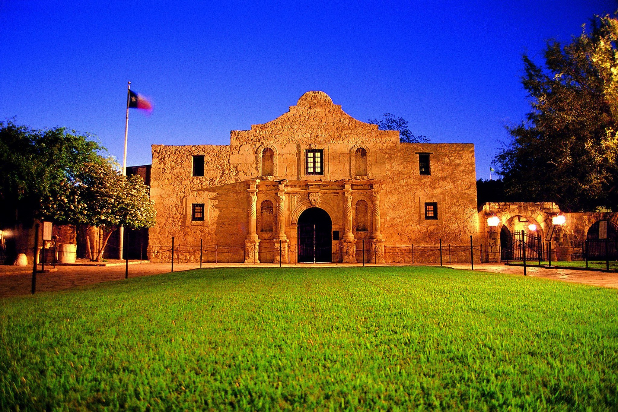 Remembering and Reimagining the Alamo: Texas History ...