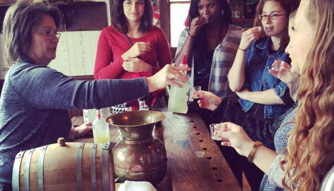 Join the Tasting Party & Experience the Joy of Cottonwood Tours!