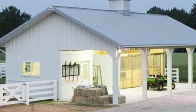 A Small Horse Barn Keep Your Horses Without Breaking The Bank