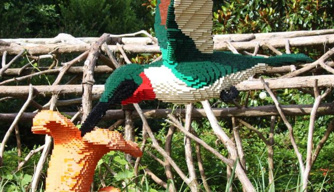 Nature Connects Exhibit Coming to Houston Zoo, Bringing Thousands of LEGO® Blocks With It