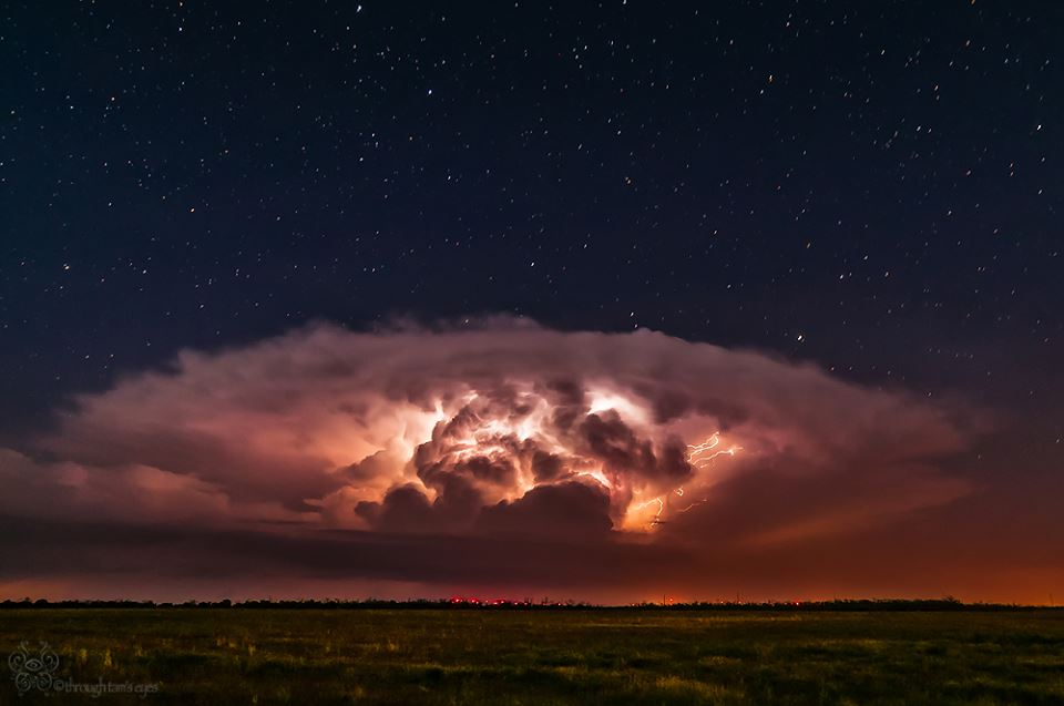 Texas Lightning Storm Photos Capture Nature S Raw Beauty