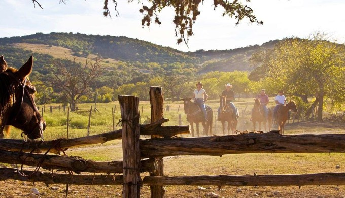 1400-texas-hill-country-ranch.imgcache.rev1414089791241.web