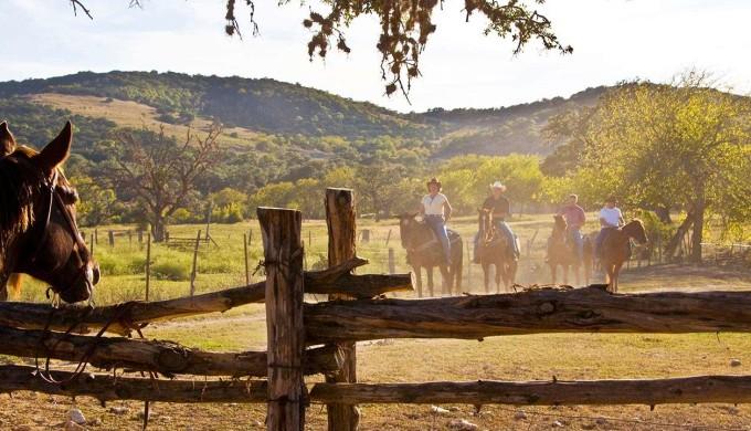 1400-texas-hill-country-ranch.imgcache.rev1414089791241.web