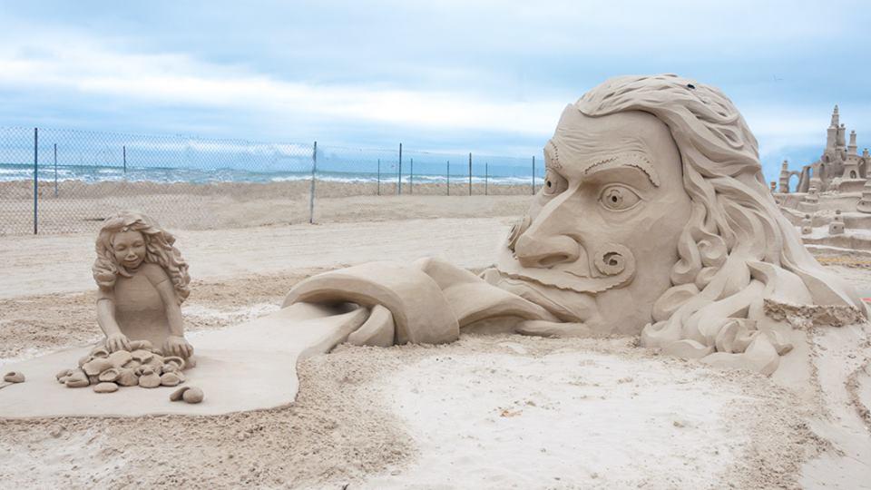 Texas Sandfest Features Pro And Amateur Sculptors And Puts Port
