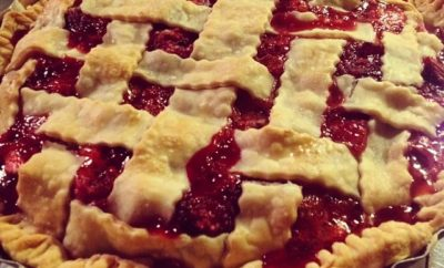 Strawberry Rhubarb Pie is the Dessert That Won't Derail Your Diet