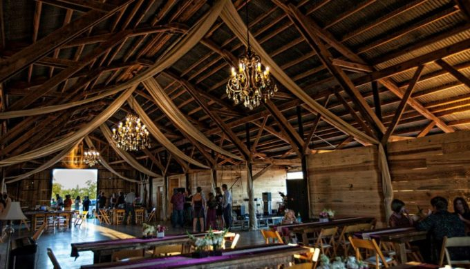 Three Texas Barn Wedding Venues That are Stunning