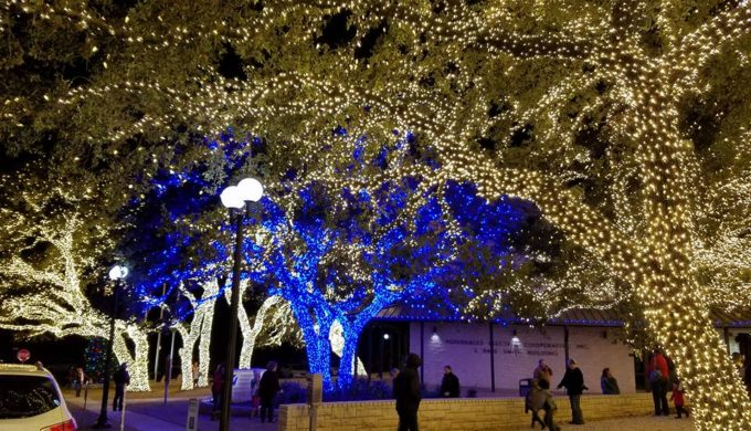 Relax on an Epic Christmas Lights Tour Aboard a Luxury Bus