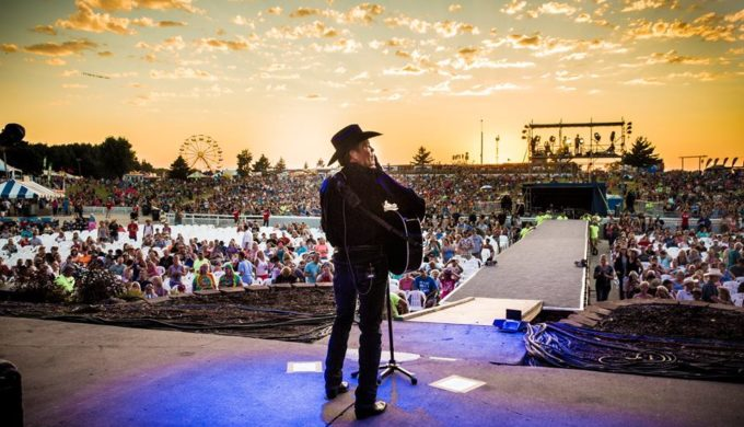 Clay Walker's 5th Annual Band Against MS Bicycle Ride Scheduled for Houston