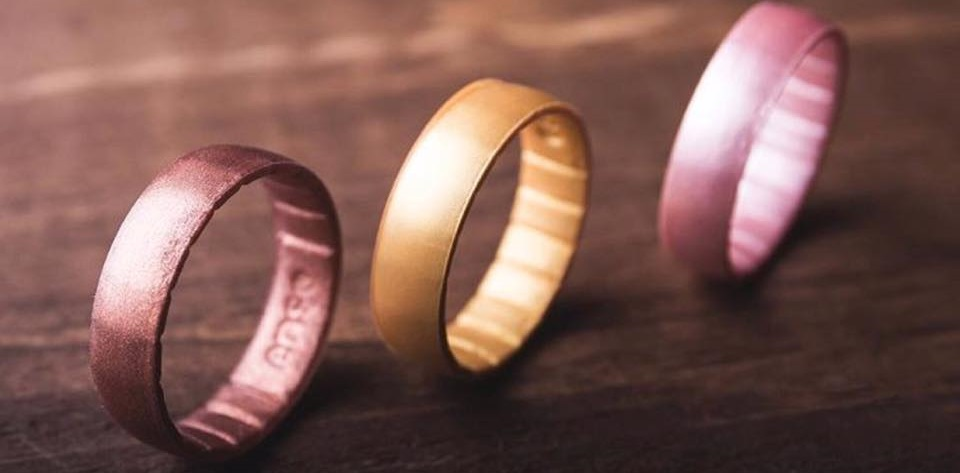 silicon wedding ring silicone wedding bands provide alternative for those who 7370