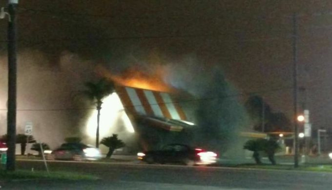 Liberty Whataburger Make Generous Win-Win Offer to Employees & Community During Rebuild Process