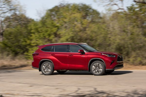 2020 Highlander Hybrid Platinum AWD: Luxurious SUV that Sips Gas