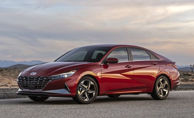 2021 Hyundai Elantra SEL: Take a Drive in Such a Smart Car!