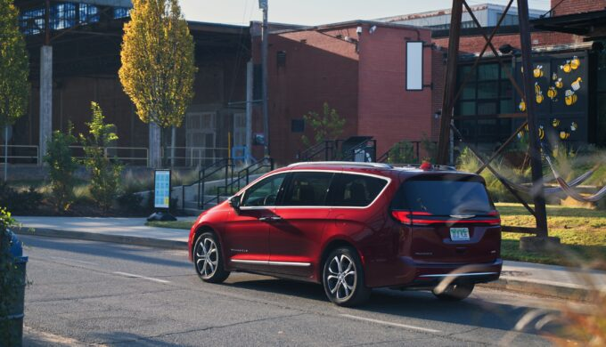 2021 Chrysler Pacifica Pinnacle AWD is a Great Family Van
