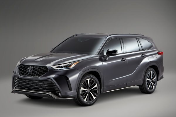 2021 Toyota Highlander Takes the High Road Through Texas