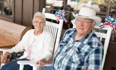 Couple in Their 80s Close to Visiting Every Cracker Barrel in America