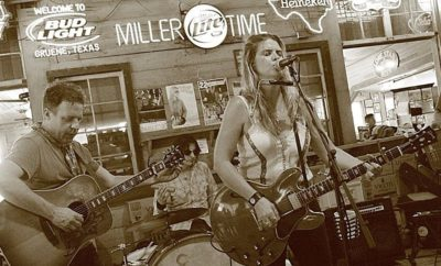 Robyn Ludwick: A Texas Songstress Whose Repertoire Won't Disappoint