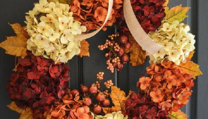 Easy, DIY Fall Wreaths: Bringing Autumn's Bursting Color to Your Door