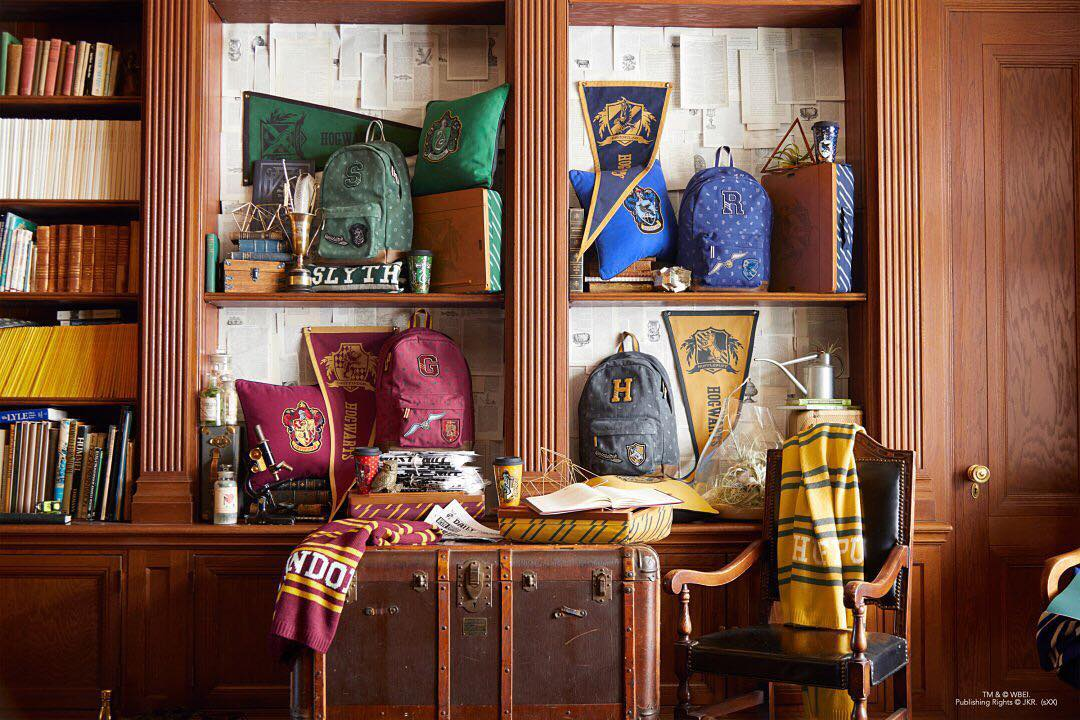 magical new harry potter collection released by pottery barn. Black Bedroom Furniture Sets. Home Design Ideas