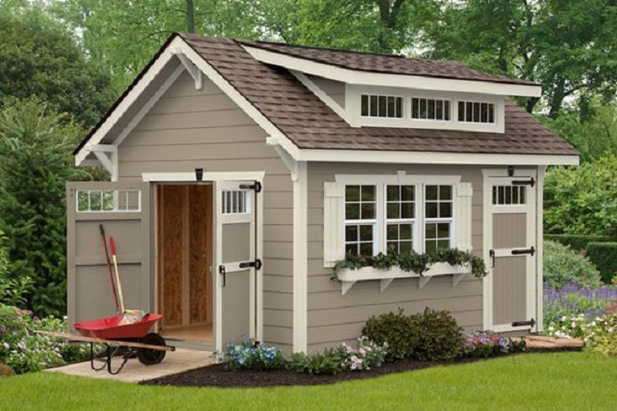 5 great 39 she sheds 39 for a hill country backyard for Cabanon jardin pvc