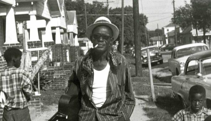 Texas Country Blues Legend: The Story of Lightnin' Hopkins