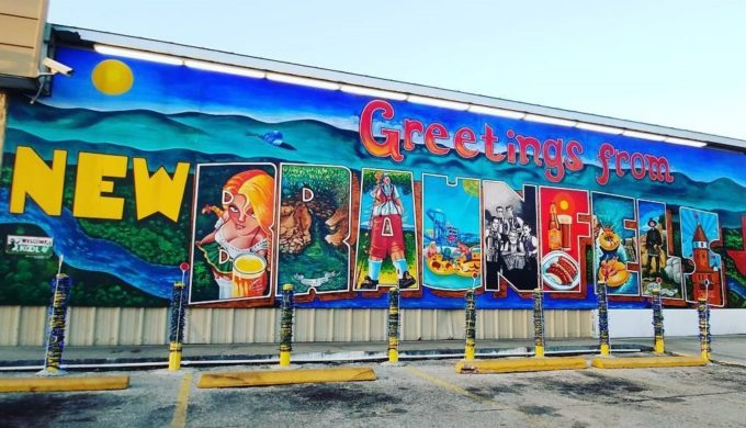 Texas Murals Can Make for a Nostalgia-Filled Road Trip