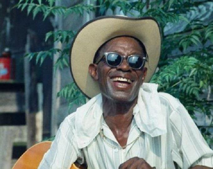 Texas Country Blues: The Story of the Legendary Lightnin' Hopkins