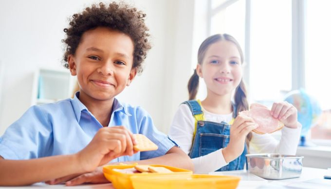 Texas Schools Take Part in Summer Food Service Program for Hungry Kids