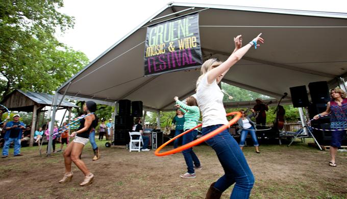 Hula Hooping, festival banner