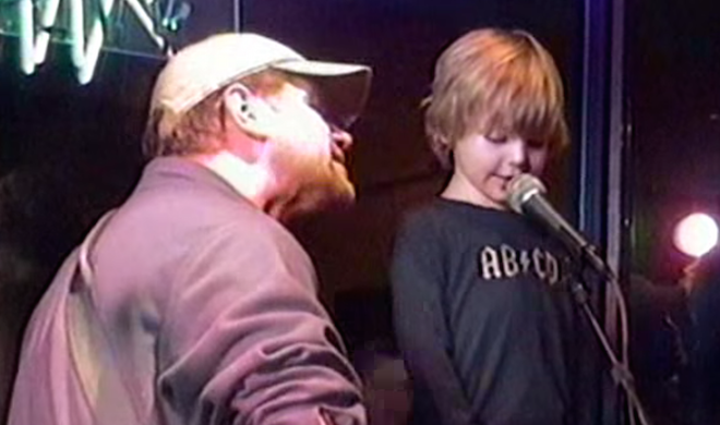 4-year-old singing the blues