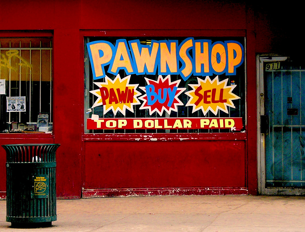 Pawn Shop Austin >> To Catch a Guitar Thief: Austin Pawn Shop Aids Police