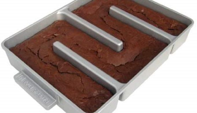 This Innovative Brownie Pan Bakes Nothing But Corner Pieces