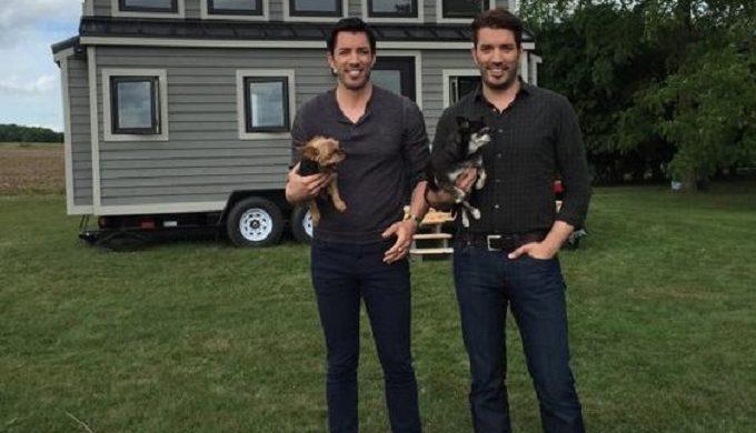 2 Property Brothers, 1 Tiny House Arrest