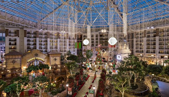 Texas Hotels That do the Holidays Just Right, So You Don't Have To