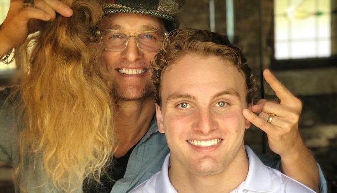 Longhorns DE Breckyn Hager Get Long-Awaited Haircut from Matthew McConaughey
