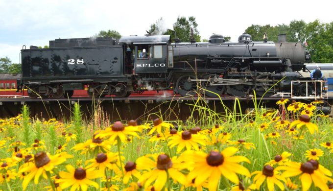 Ride the Rails on a Memorial Day Brunch Train Through Texas Beauty