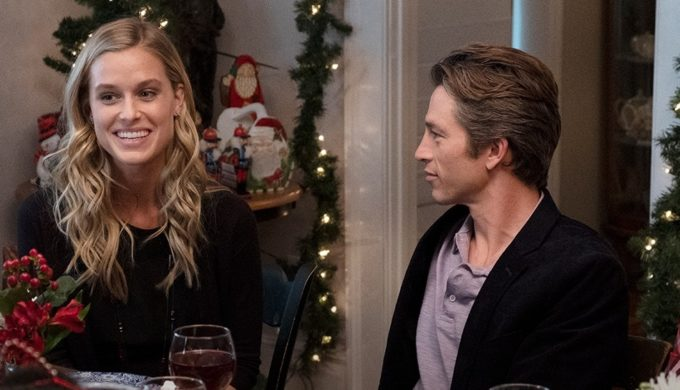 Christmas In July Hallmark.Hallmark Debuting First 2 Christmas Movies Of 2019 This July