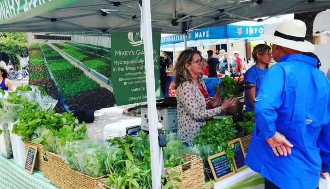 Pearl Farmers Market: A Rural Utopian Experience in a Modern Texas City