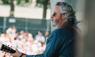Robert Earl Keen Announces Countdown to Christmas
