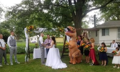 Texas Maid of Honor Wears T-Rex Costume to Sister's Wedding