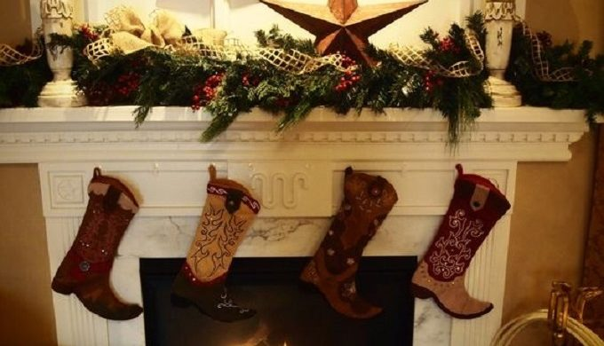 How Country-Style Decorations Can Help You Survive Christmas