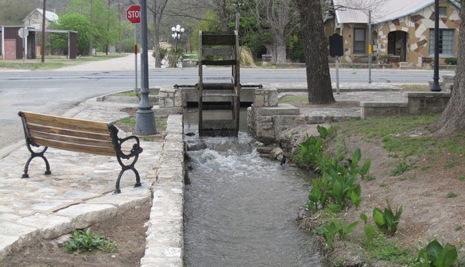 800px-the_ditch_in_menard_tx_img_1839