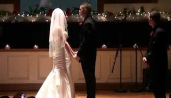 A Groom Serenaded His Bride With a George Strait Classic [VIDEO]