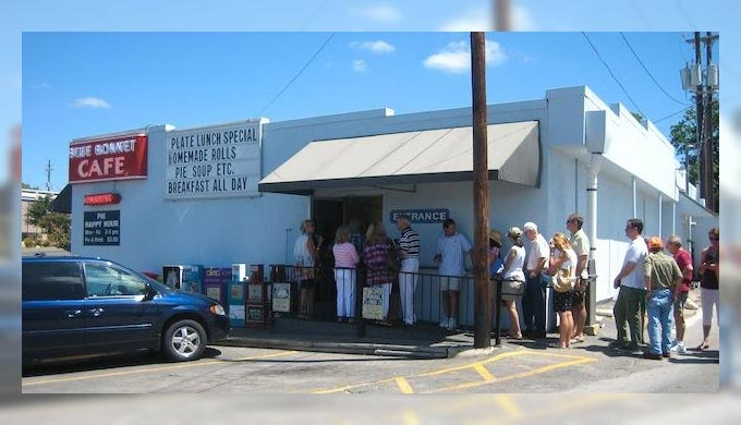 A Slice of Texas History At Blue Bonnet Cafe