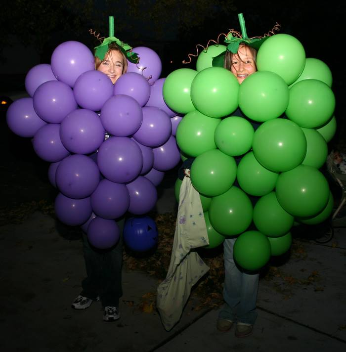 A bunch of grapes_Seriously Last Minute Halloween Costume Ideas_Facebook