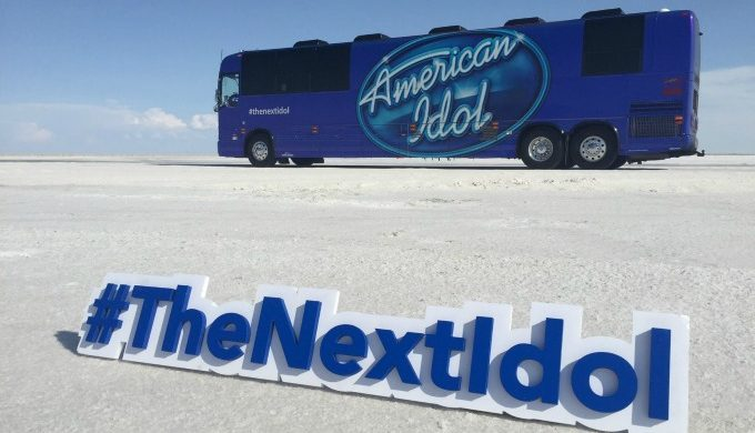American Idol auditions bus