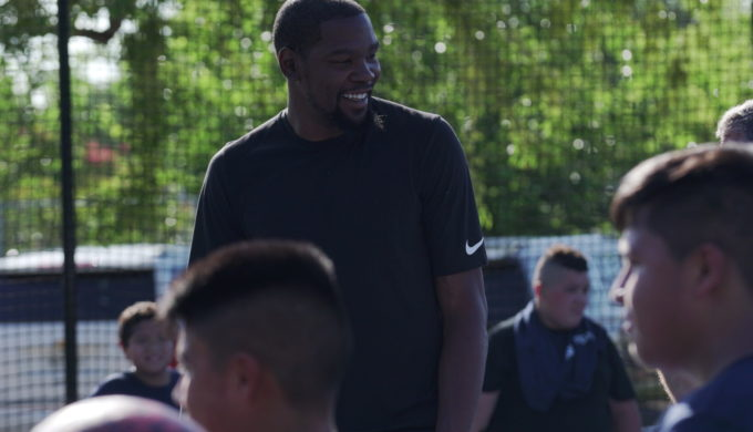 Kevin Durant surprises students in Austin with BBVA Compass.