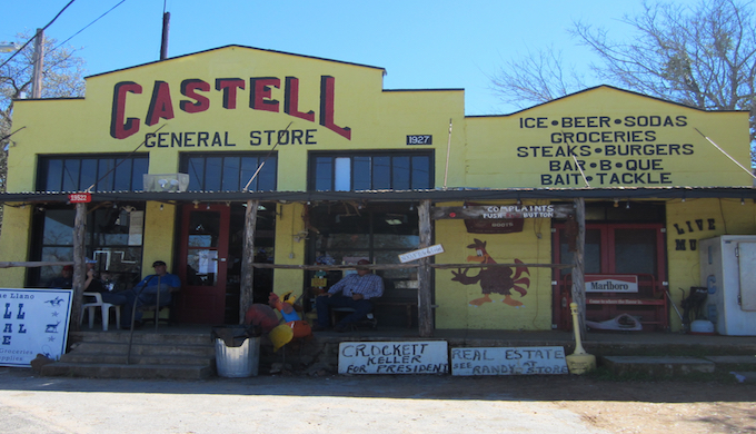 Five Reasons to Kick Back in Castell