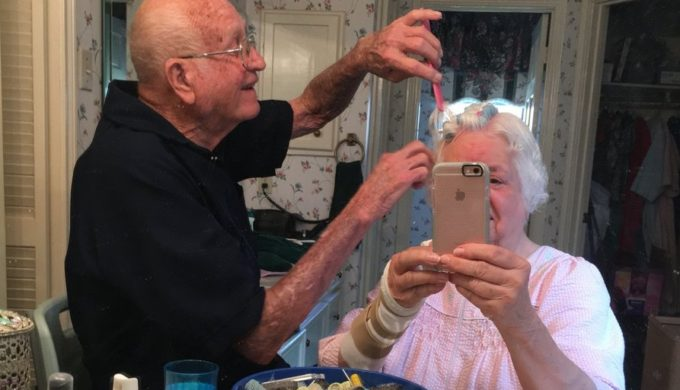 Twitter Fans Melt Over Picture of Elderly Married Couple