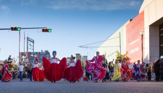 El Paso Celebrates Dia Los Muertos in Grand, Ghostly Style