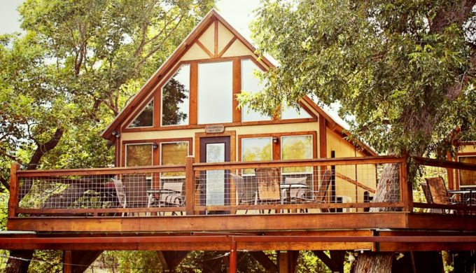 5 gorgeous hill country cabin getaways for Texas hill country cabin builders